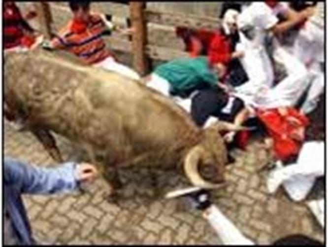 Pamplona'da eskimeyen adet